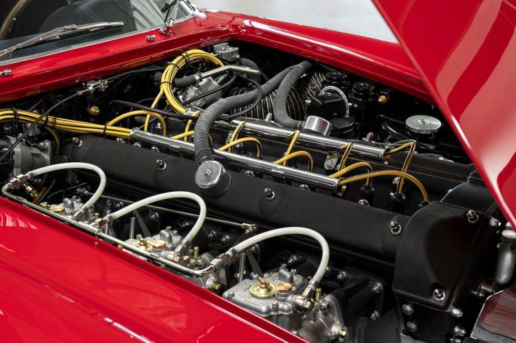 Aston Martin Db4 Gt Zagato Continuation 16