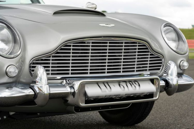 Aston Martin Db5 Continuation James Bond 0720 014
