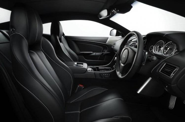 Aston Martin DB9 Carbon Black, interior
