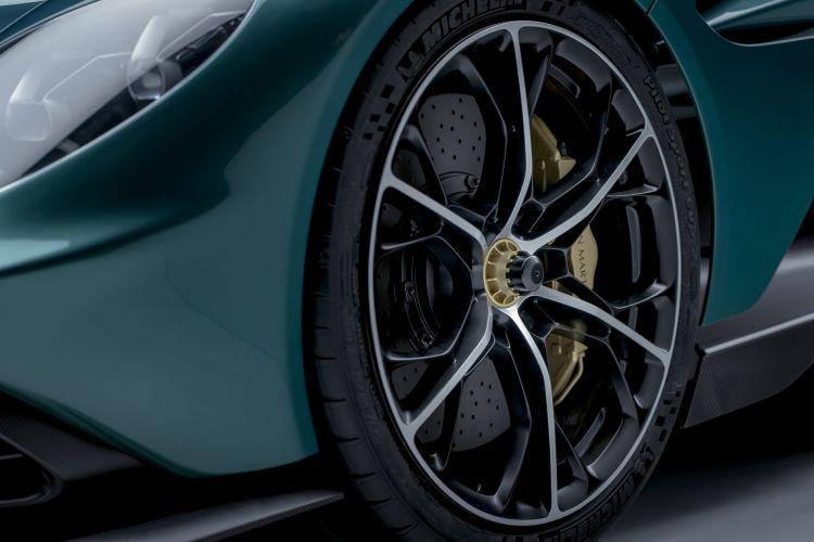 Aston Martin Valhalla 2022 14
