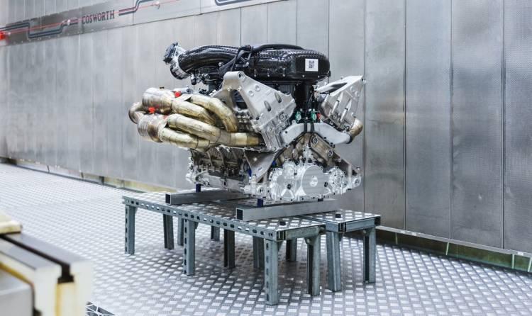 Aston Martin Valkyrie Motor V12 1218 002