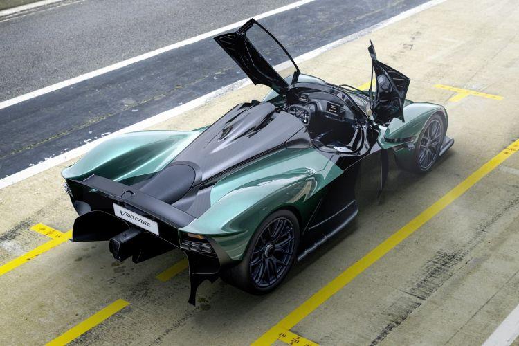Aston Martin Valkyrie Spider 2022 0821 001