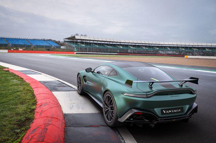 Aston Martin Vantage F1 Edition 7