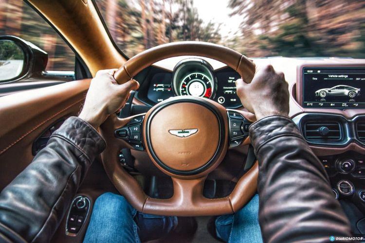 Aston Martin Vantage V8 2019 Prueba 011