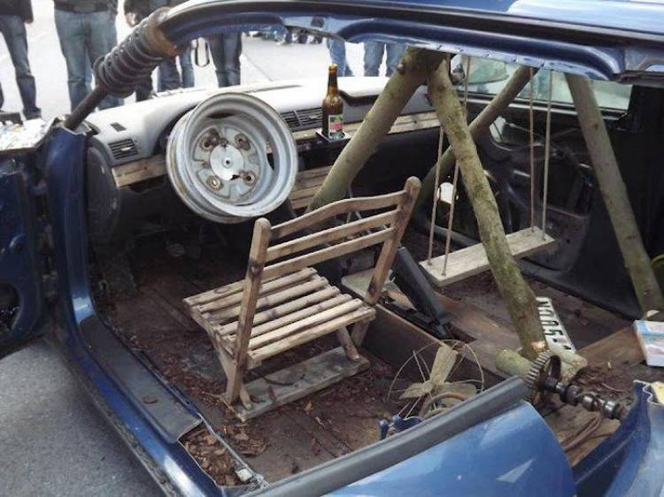 Como convertir un Audi A4 víctima del fuego en un Rat Rod con mecánica Trabant