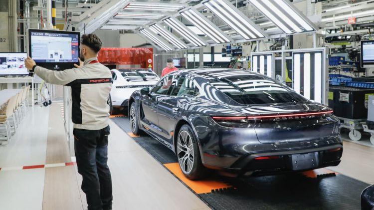 Audi Ayuda Porsche Taycan Produccion Fabrica 04