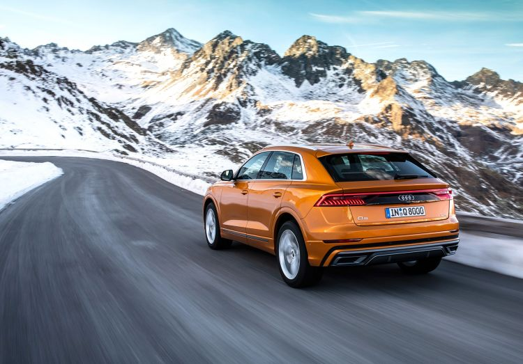 Audi Q8 2019 Naranja 01