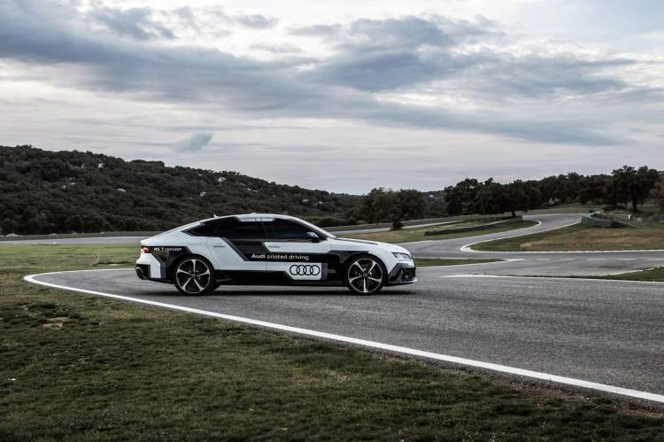audi-rs7-piloted-7