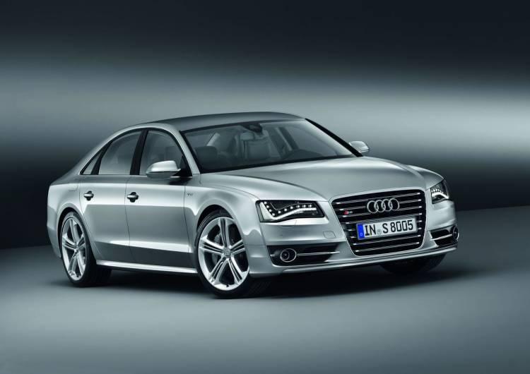 Audi S8/Standaufnahme