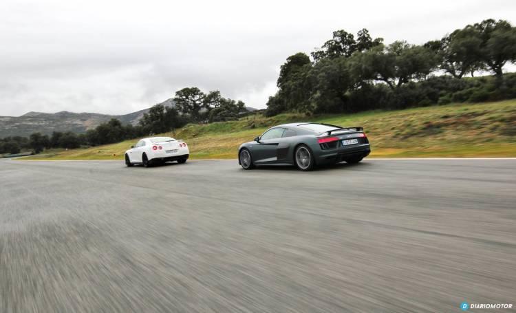 Audi R8 V10 Plus vs Nissan GT-R
