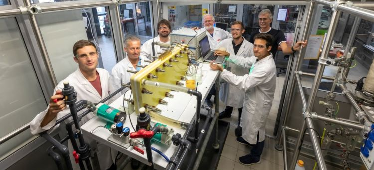 Tu Graz, Stefan Spirk & Team, Redox Flow Batterie