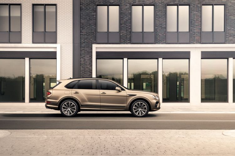 Bentley Bentayga Hybrid 10