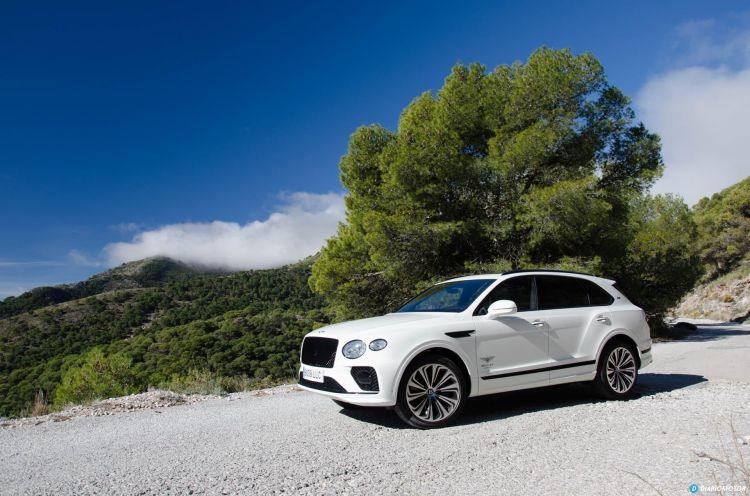 Bentley Bentayga V8 2021 0321 045