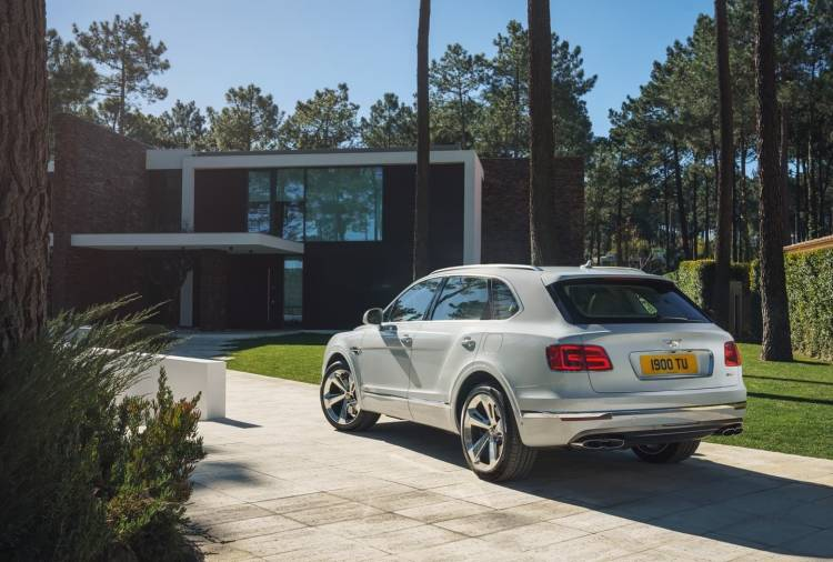 bentley_bentayga_plug_in_hybrid_0318_007