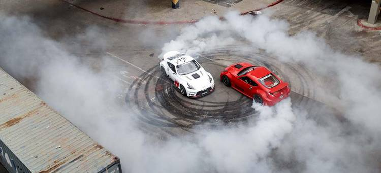 black-friday-drifting-nissan-370z-centro-comercial-01