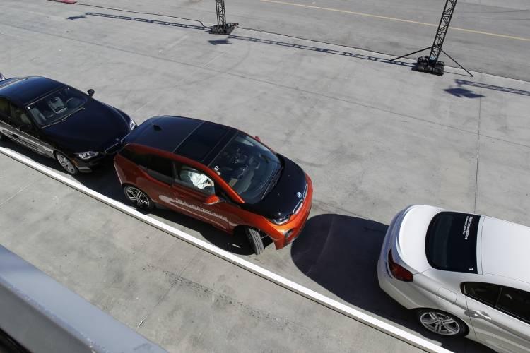 bmw-dynamic-parking-prediction-040615-01-1440px