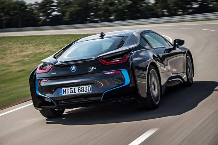BMW i8: ¿quién dijo que un 3 cilindros sonaría mal?