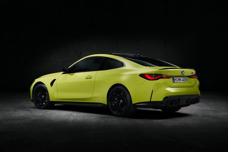 Bmw M4 Competition Coupe Amarillo Exterior 02