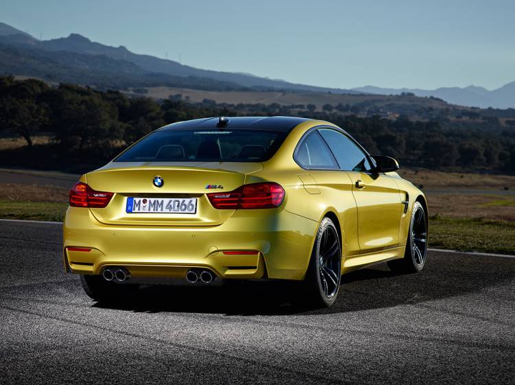 bmw-m4-coupe-2014-16
