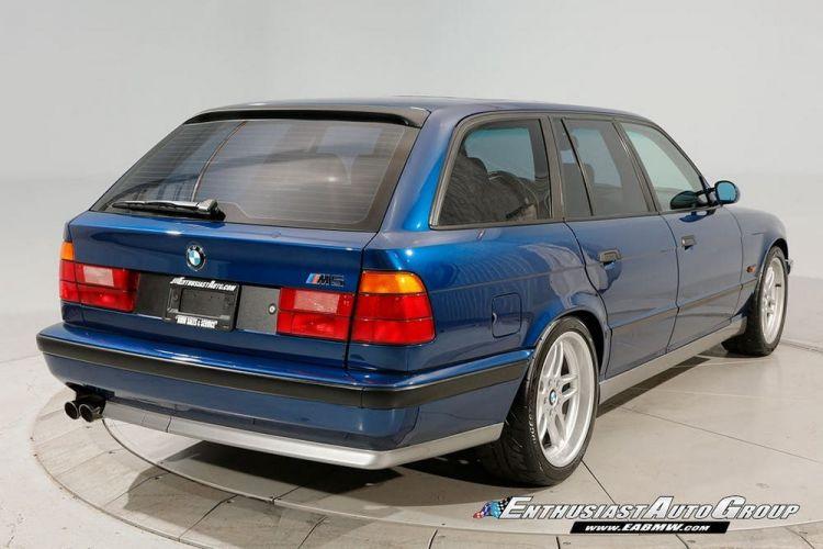 Bmw M5 Touring E34 E61 02