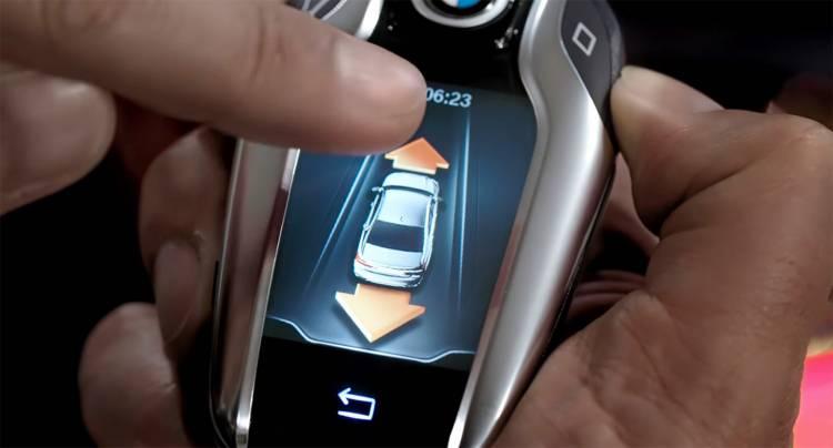 bmw-serie-7-2015-aparcamiento-control-distancia-02-1440px