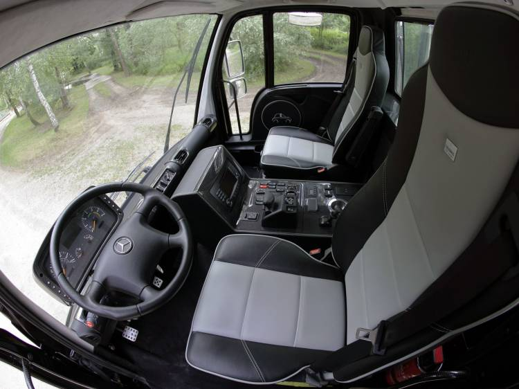 Brabus Mercedes Unimog 17