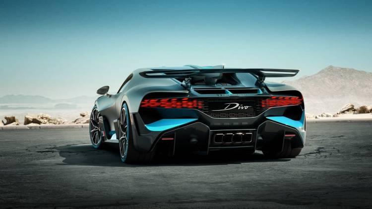 Bugatti Divo 0818 017