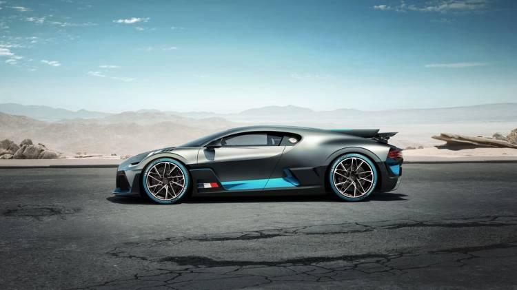 Bugatti Divo 0818 023