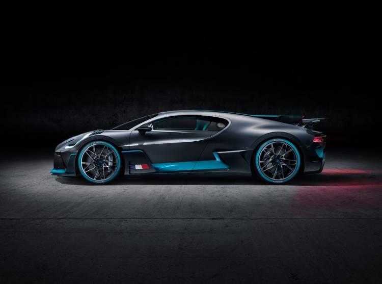 Bugatti Divo 0818 028