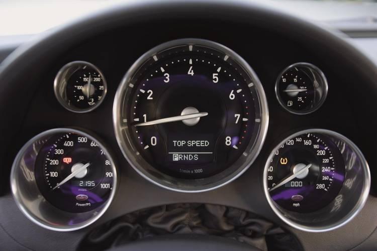 bugatti-veyron-ficha-1017-019