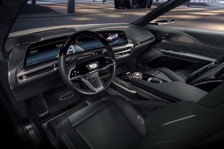 Cadillac Lyriq Ev Concept 13