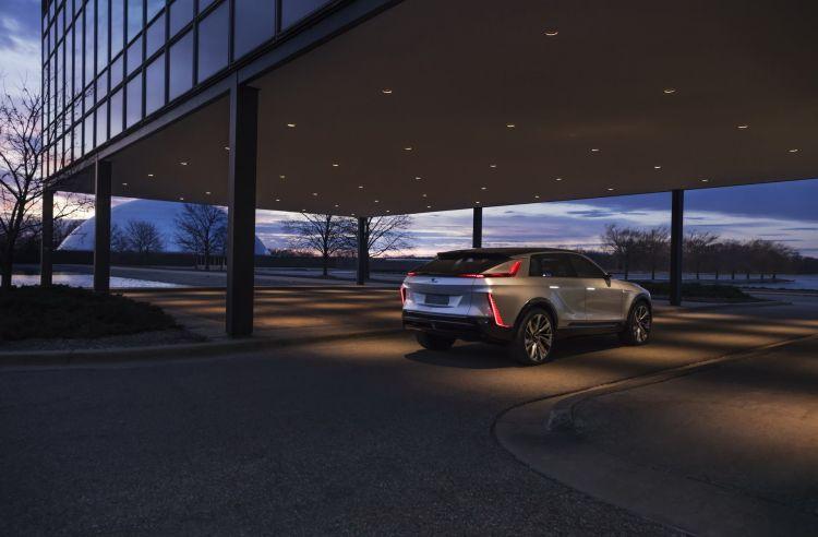 Cadillac Lyriq Ev Concept 20