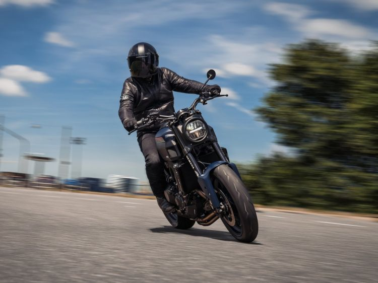 Cafe Racer Yamaha Xsr900 Jvb Moto Cp3 01