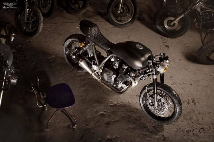cafe-racers-curved-7