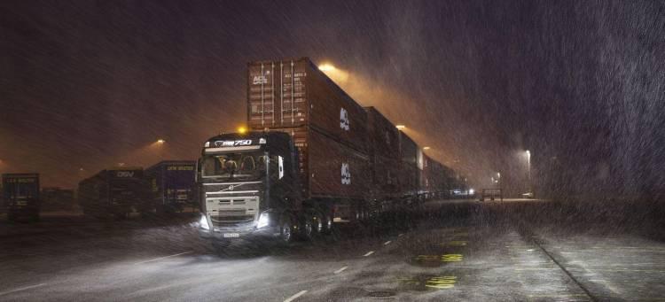 camion-volvo-750-toneladas-2