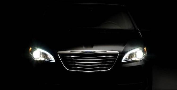 Chrysler 200, teaser frontal