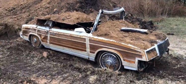Chrysler Enterrado