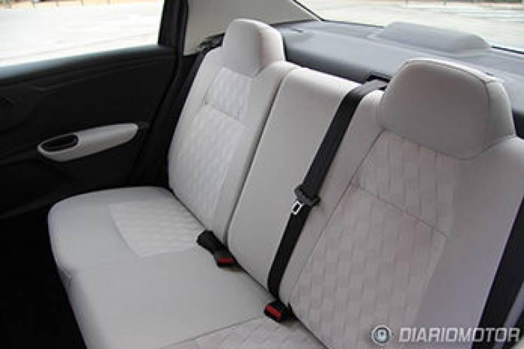 Citroën C-Elysée, prueba en Barcelona: asientos traseros