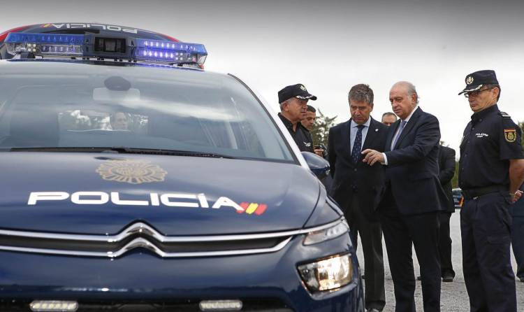 citroen-c4-picasso-policia-3