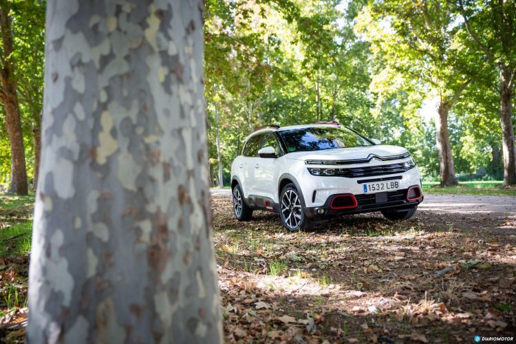 Citroen C5 Aircross Vs Peugeot 3008 2