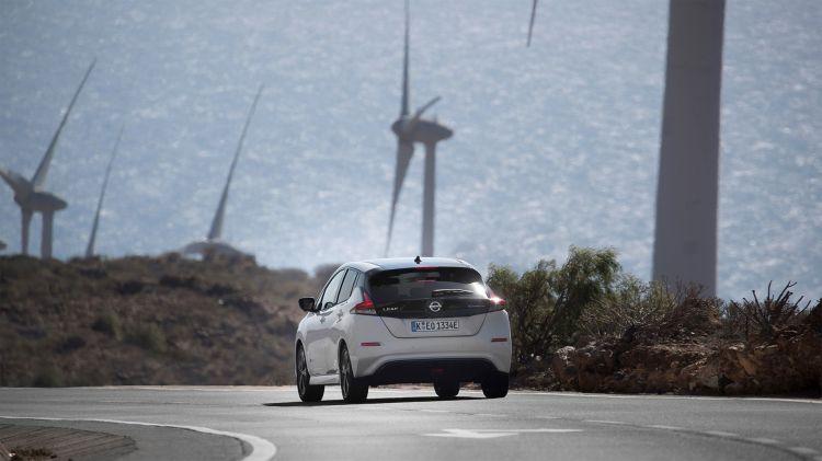 Coche Electrico Nissan Leaf Aerogeneradores