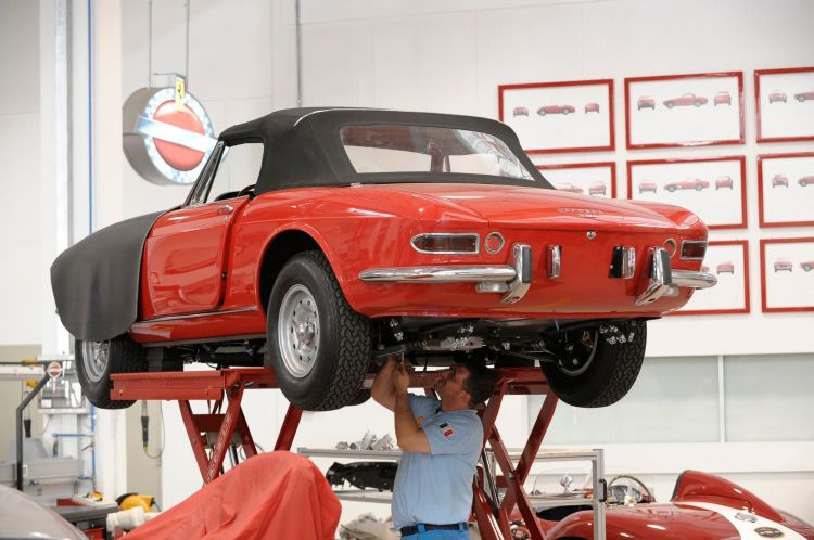 Coche No Arranca Averia Ferrari Taller