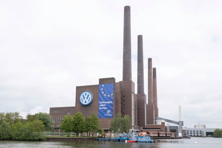 Volkswagen Votes For Europe