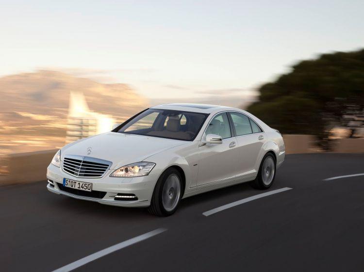 Inbegriff Des Automobils: Die Mercedes Benz S Klasse The Epitome Of The Automobile: The Mercedes Benz S Class