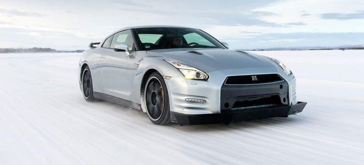 Conducir Con Nieve Nissan Gt R