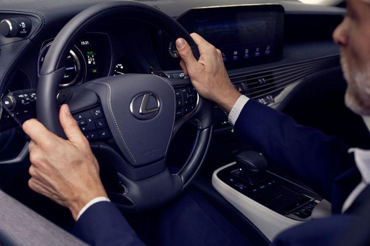 Conducir Volante Lexus Ls 500h