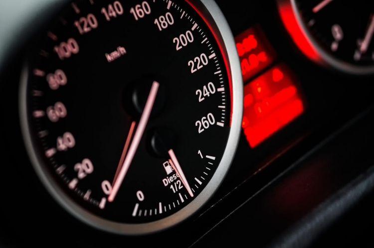 Consumo Elevado Coche Diesel Cuadro Indicador Combustible Bmw