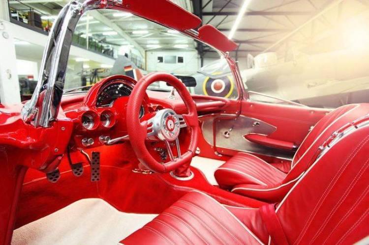 Pogea Racing moderniza un Chevrolet Corvette del año 1959