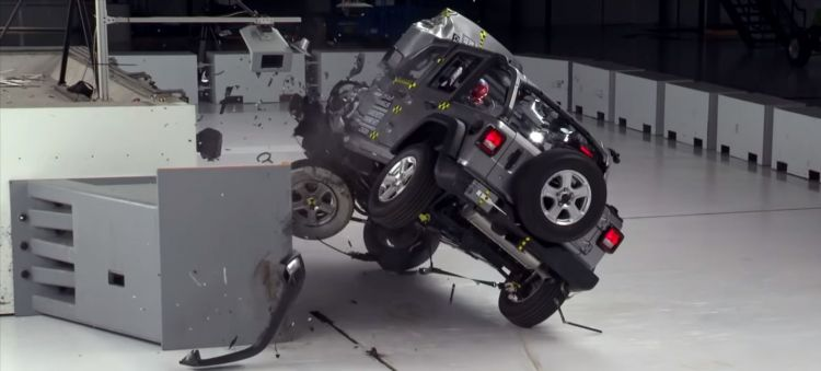 Crash Test Jeep Wrangler