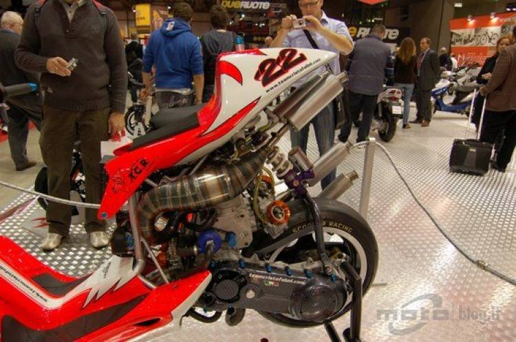 Malaguti F1 V4, un ciclomotor demasiado potente